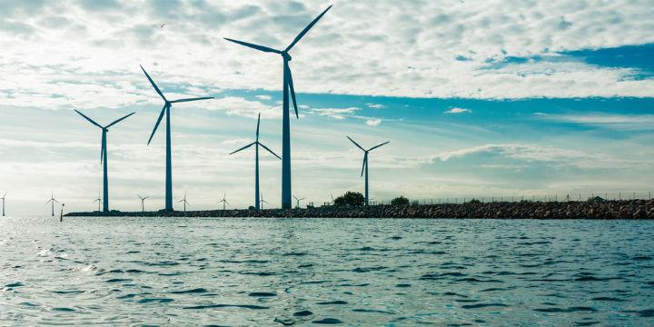 Wind_turbines_720x360