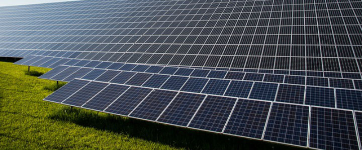 photovoltaic-491702_640