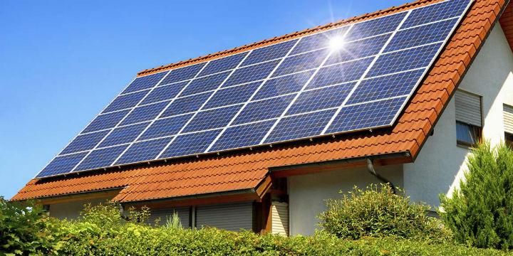 Home_With_Solar_Panels720x360